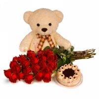 Мишка, торт и розы